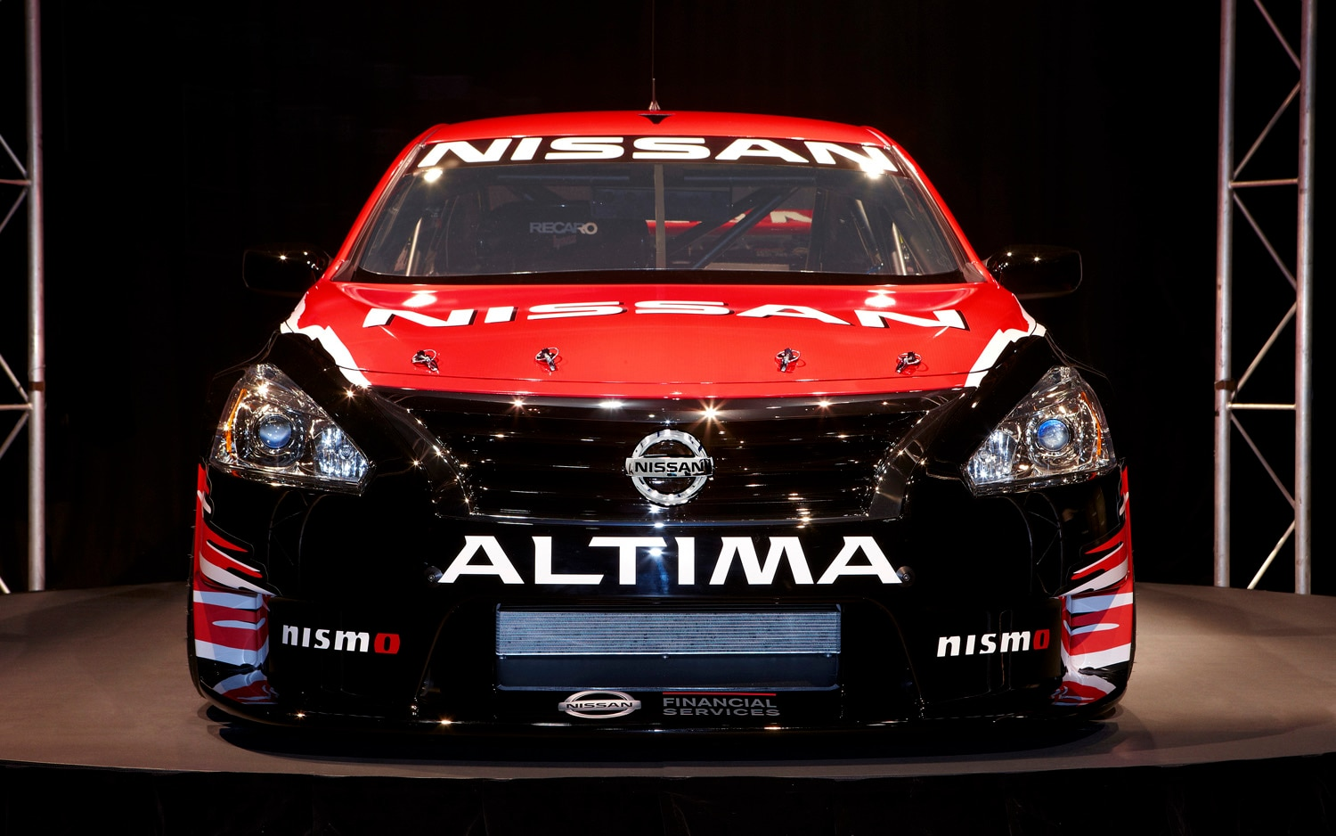 2013 Nissan Altima V 8 Supercar Front End On1
