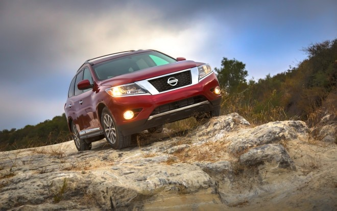 2013 Nissan Pathfinder Front Right View 51 660x413