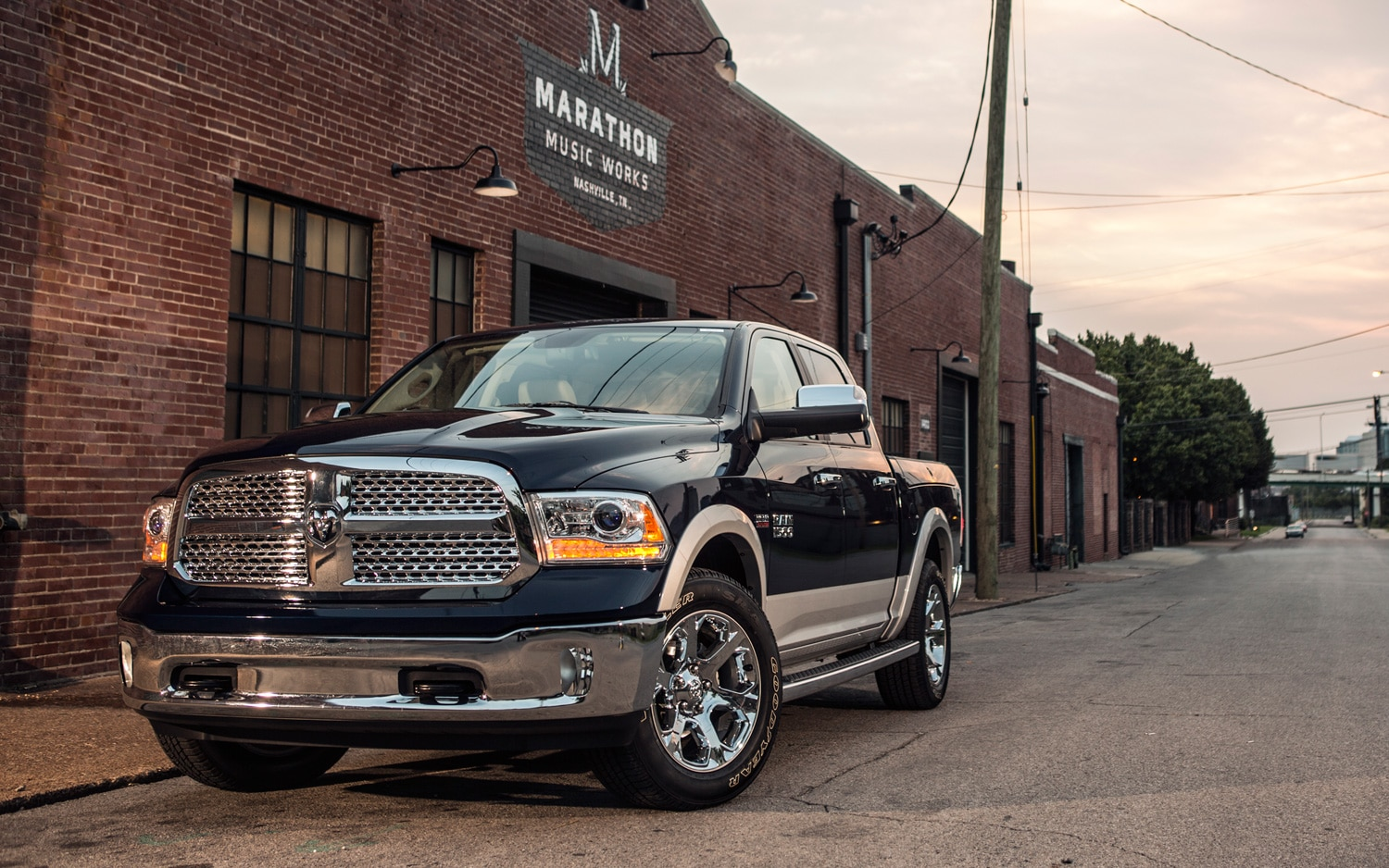 2013 Ram 1500 Front View11