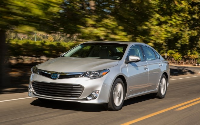 2013 Toyota Avalon Hybrid Front Left View1 660x413