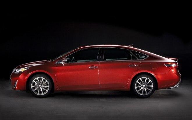 2013 Toyota Avalon Profile11 660x413