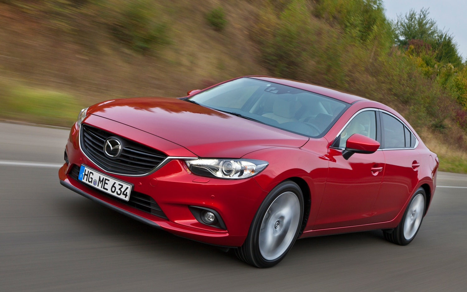 2014 Mazda6 Front Three Quarter In Motion1