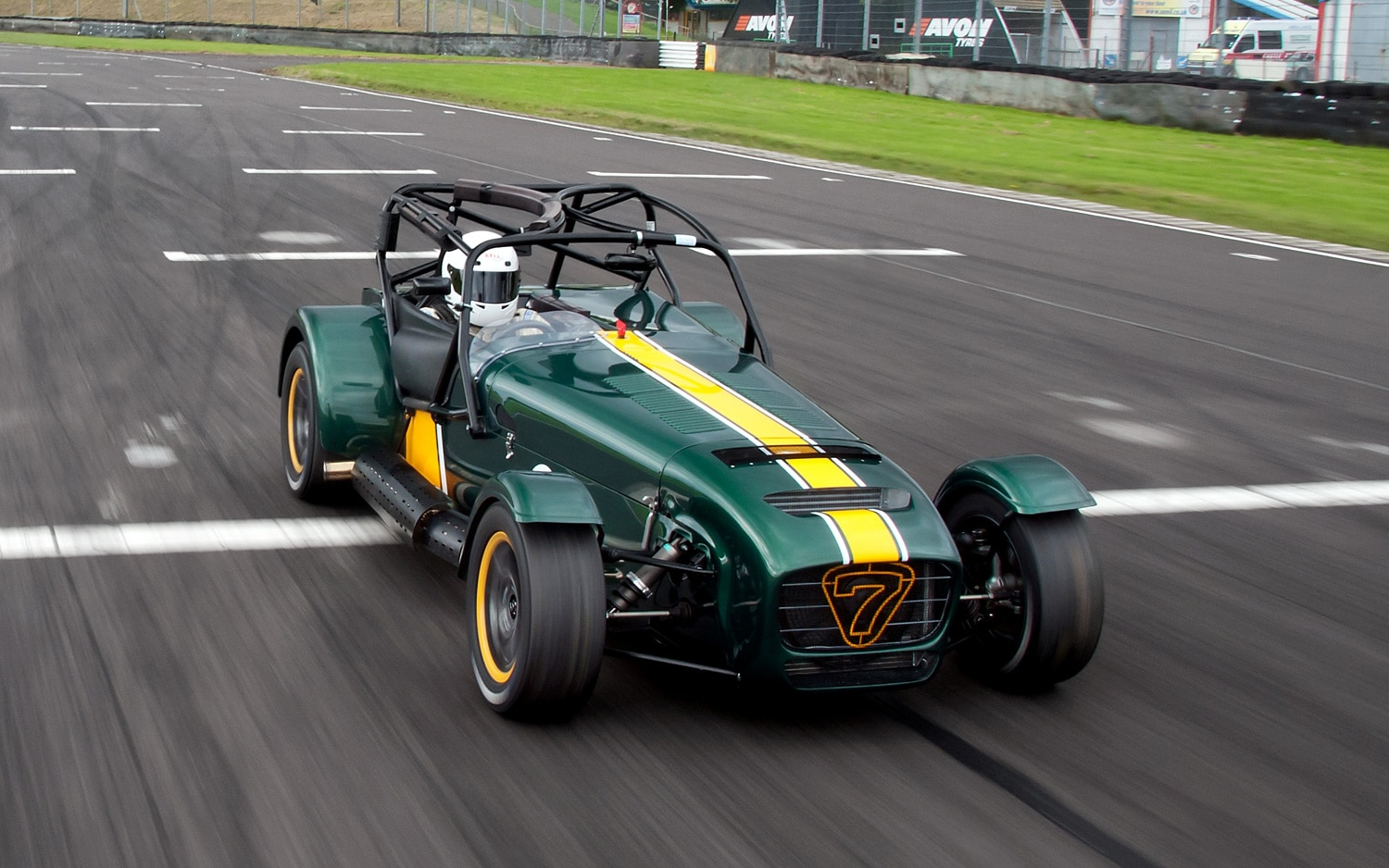 Caterham R600 Front Three Quarter 11