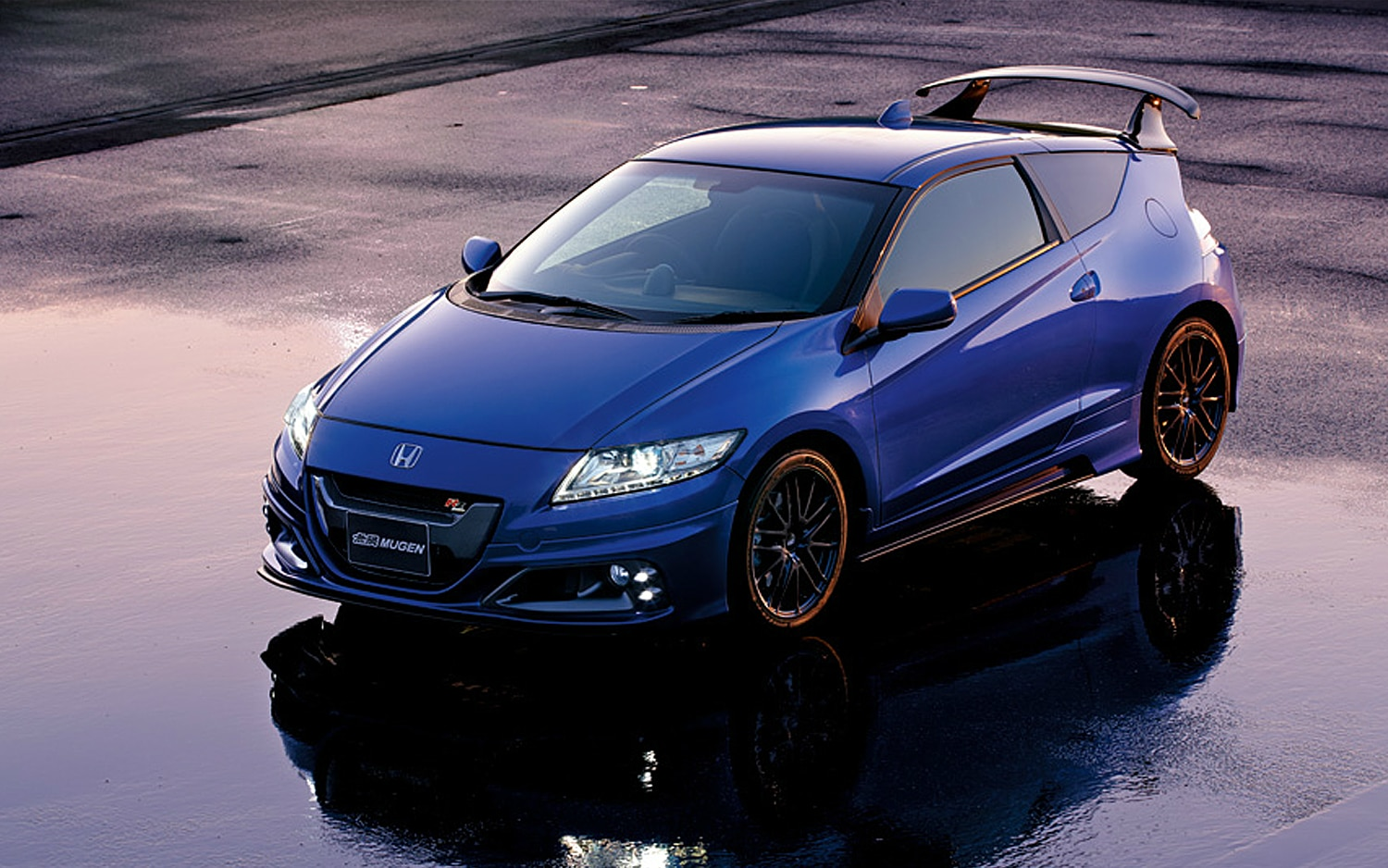 mugen gives the honda cr z 174 hp loud body kit. Black Bedroom Furniture Sets. Home Design Ideas