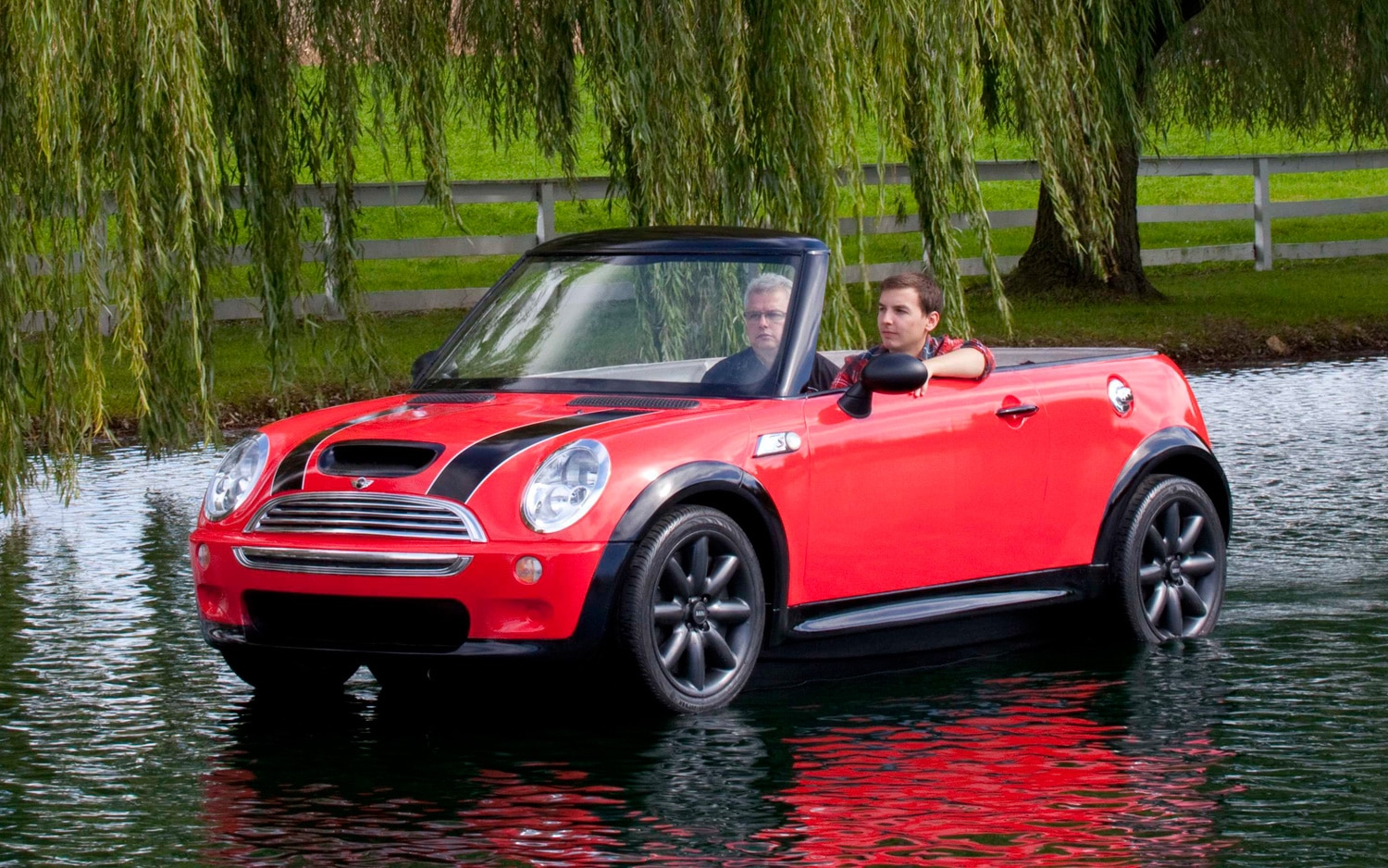Mini Convertible Boat Front Three Quarter 11