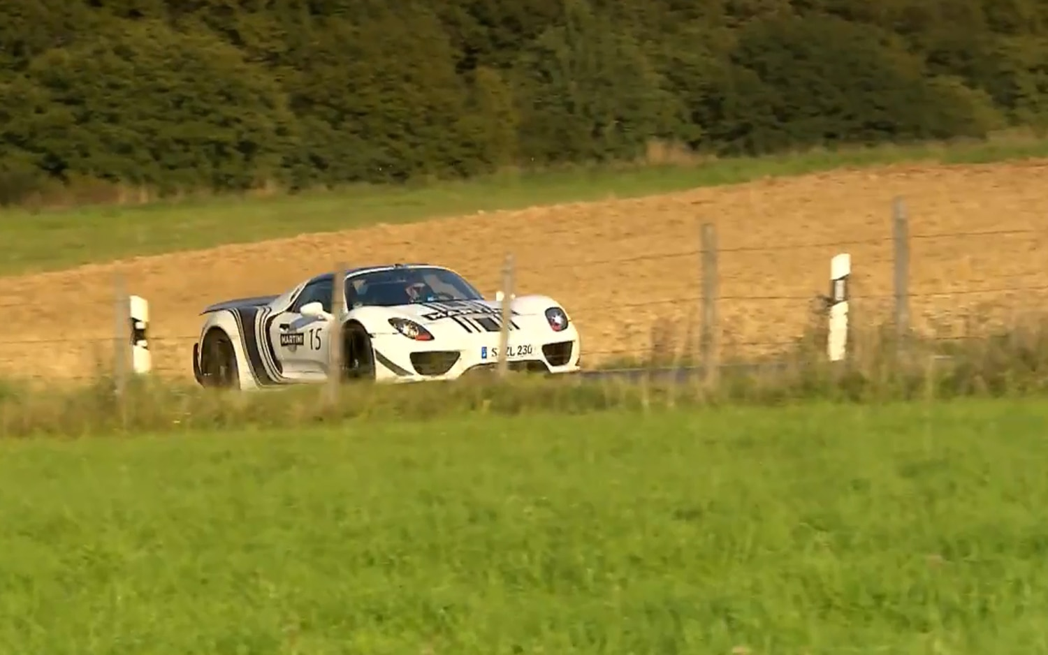 Porsche 918 Spyder At The Nurburgring On The Downshift Image 31