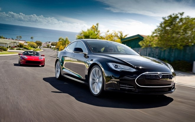 Tesla Model S And Tesla Roadster Front Three Quarter11 660x413