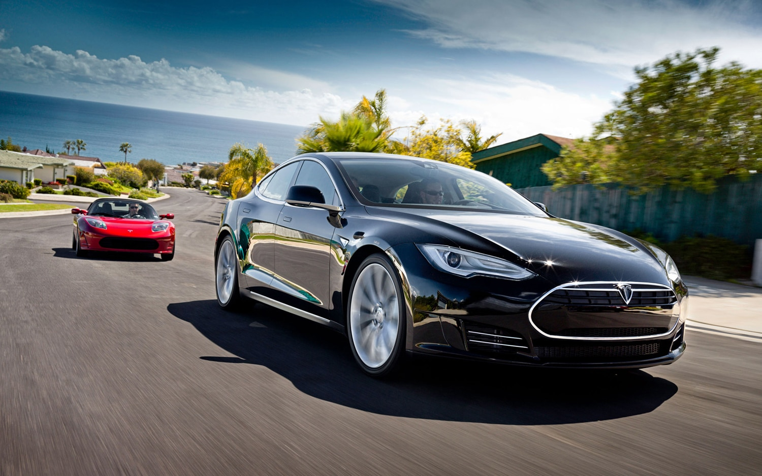 Tesla Model S And Tesla Roadster Front Three Quarter11
