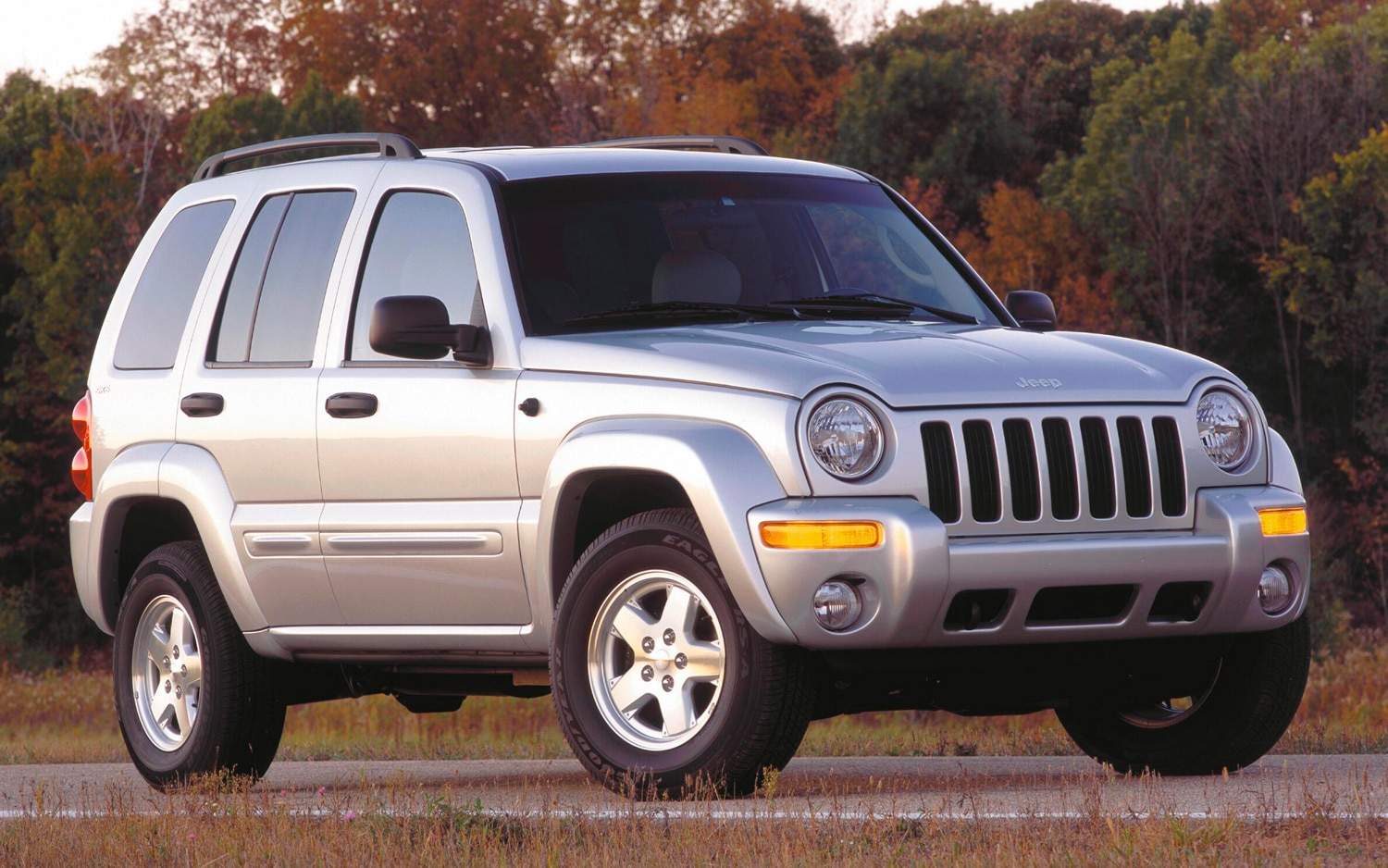 2002 Jeep Liberty Front Three Quarters View1
