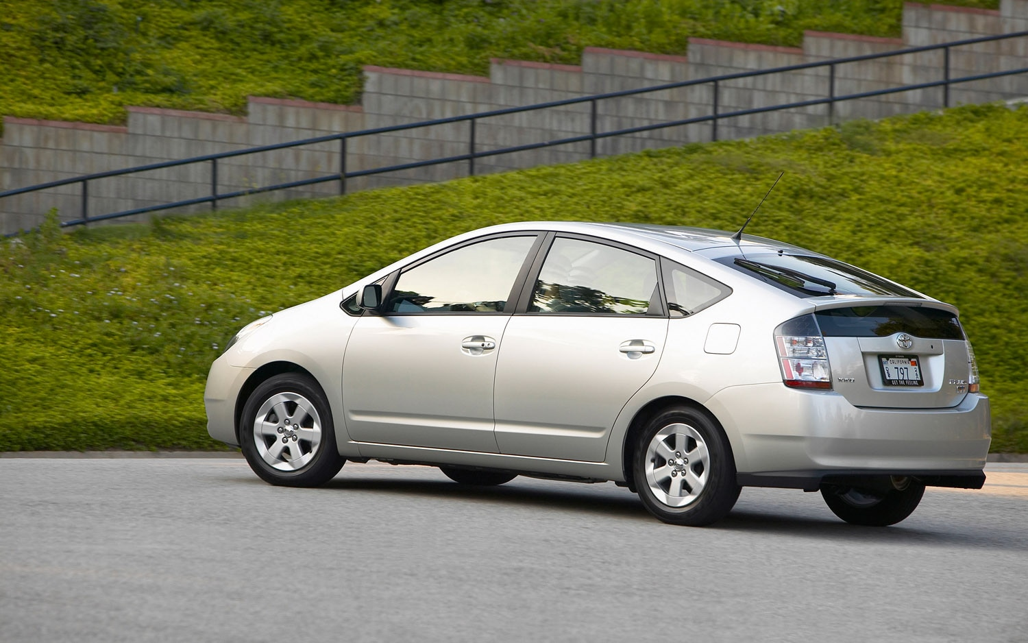 report 2008 2010 toyota prius one of the least stolen cars. Black Bedroom Furniture Sets. Home Design Ideas