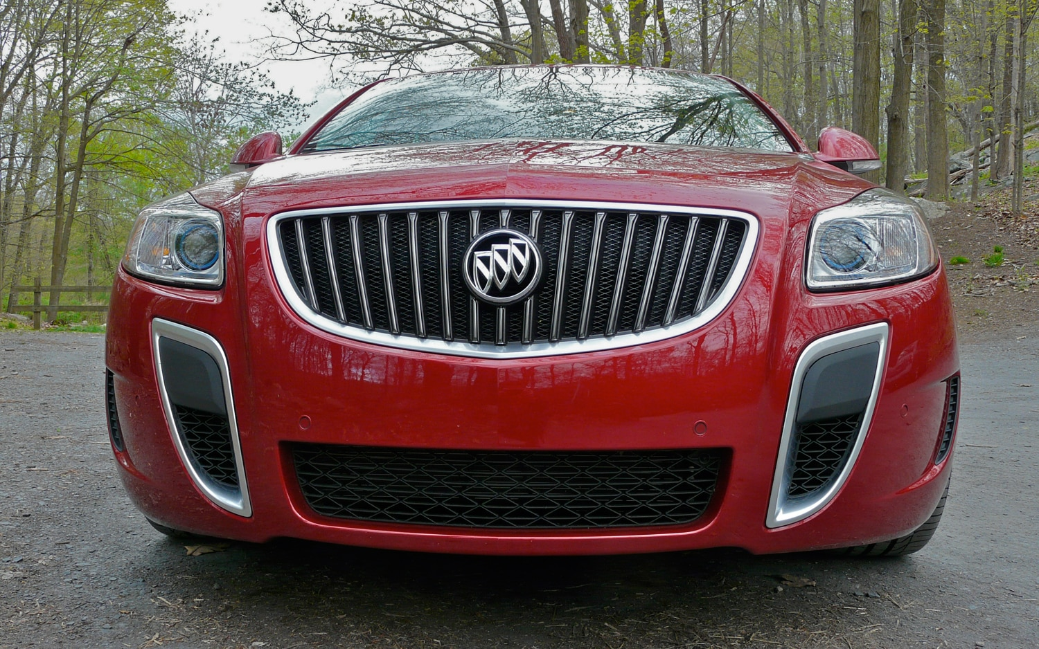 2012 Buick Regal GS Front View1