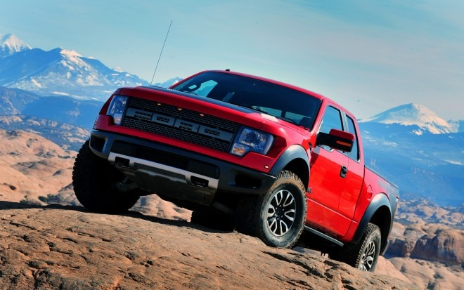 2012 Ford F150 SVT Raptor Front Three Quarter View1 660x413