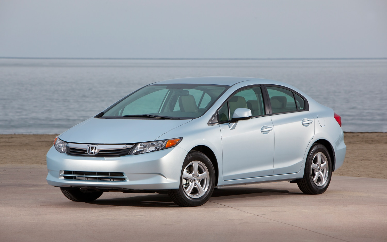 2012 Honda Civic Natural Gas Front Left Side View1