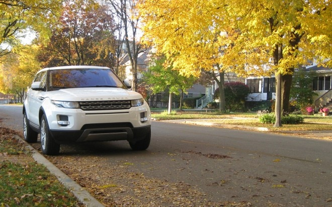 2012 Land Rover Range Rover Evoque Front Right View 21 660x413