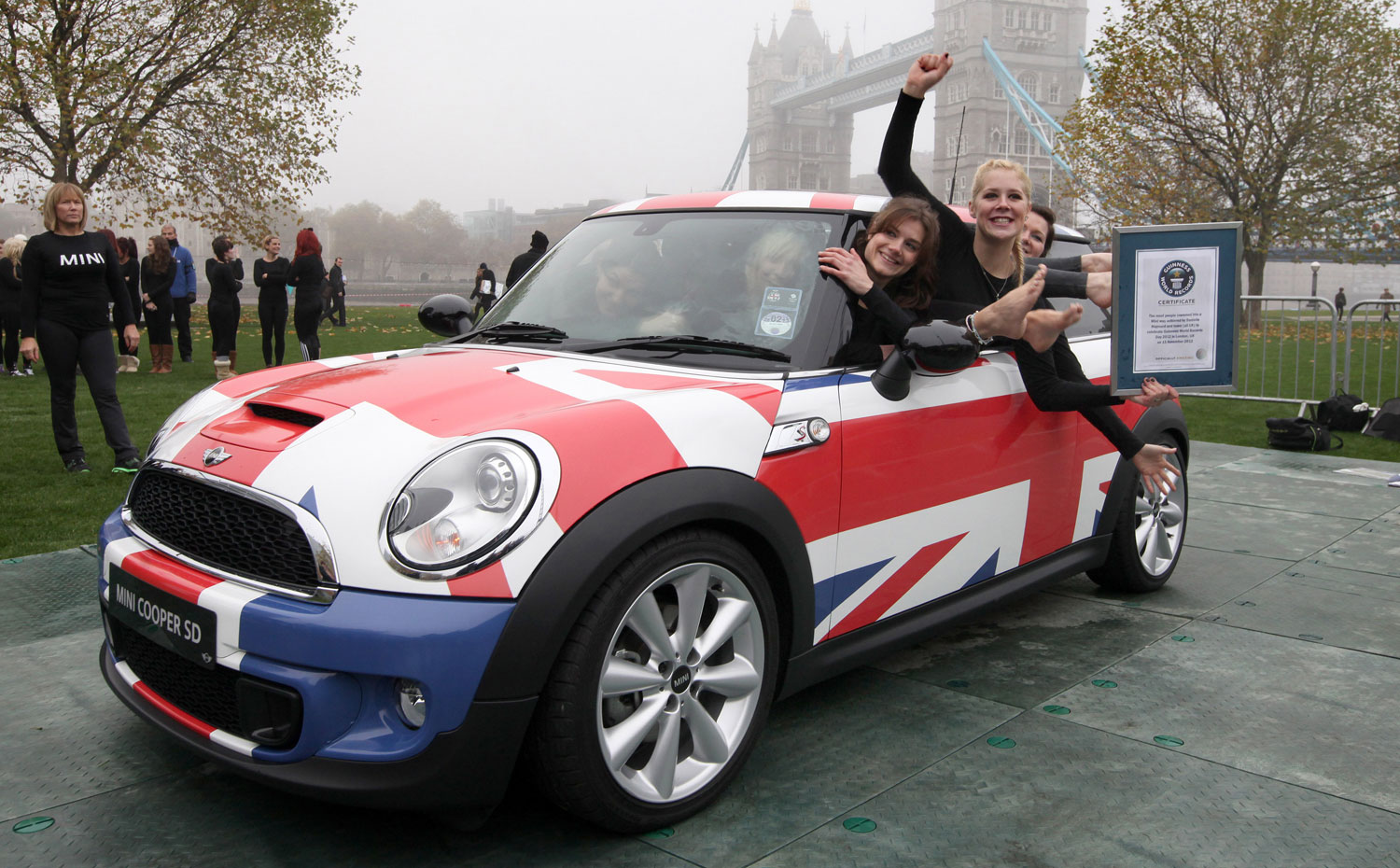2012 Mini Hatchback Breaks Guinness World Record For Most People Inside1