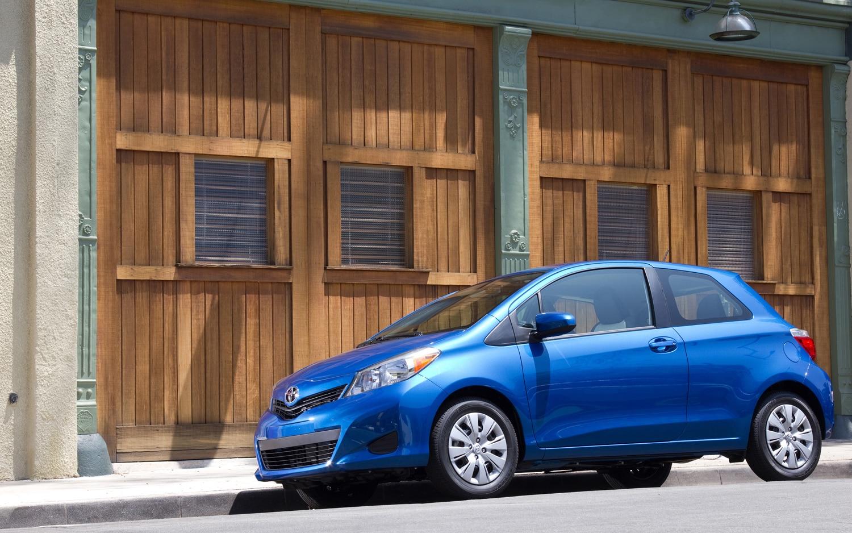 2012 Toyota Yaris Front Three Quarter1