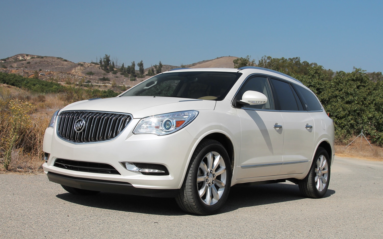 first drive 2013 buick enclave. Black Bedroom Furniture Sets. Home Design Ideas