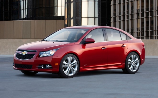 2013 Chevrolet Cruze RS Left Front1 660x413