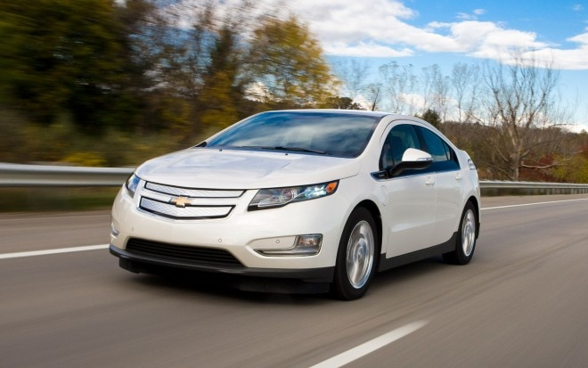 2013 Chevrolet Volt Front Three Quarter Motion1 660x413