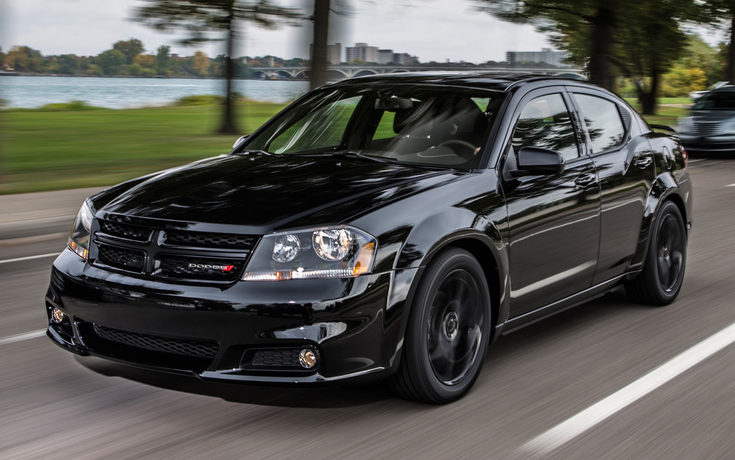 dodge expands blacktop appearance package to 2013 avenger