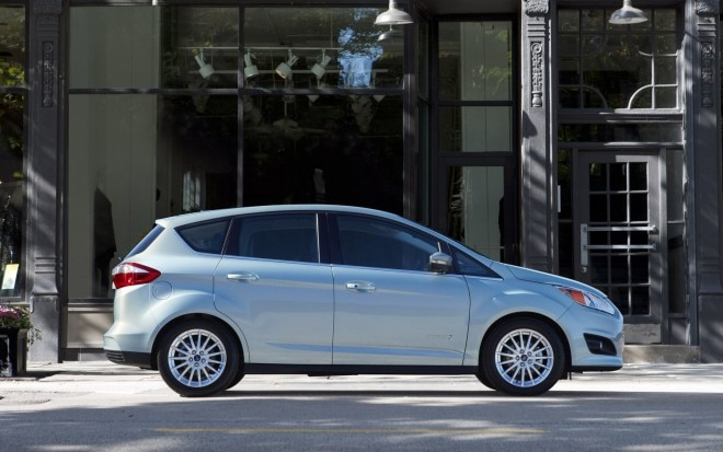 2013 Ford C Max Hybrid Right Side View1 660x413