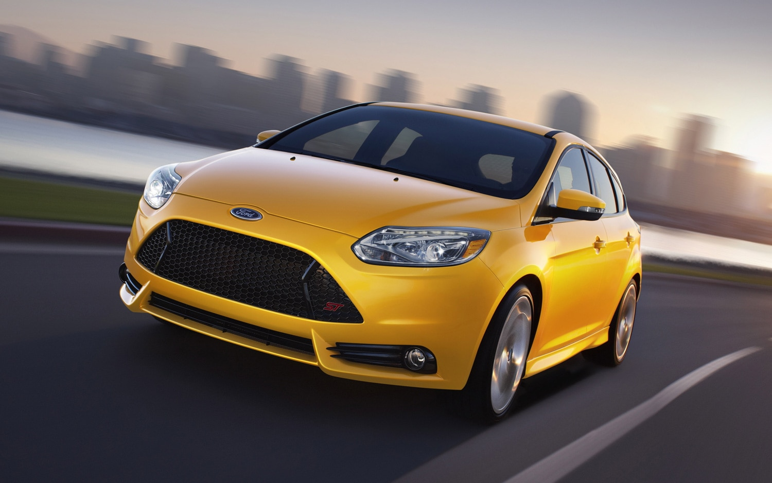 2013 Ford Focus ST Front Three Quarter1