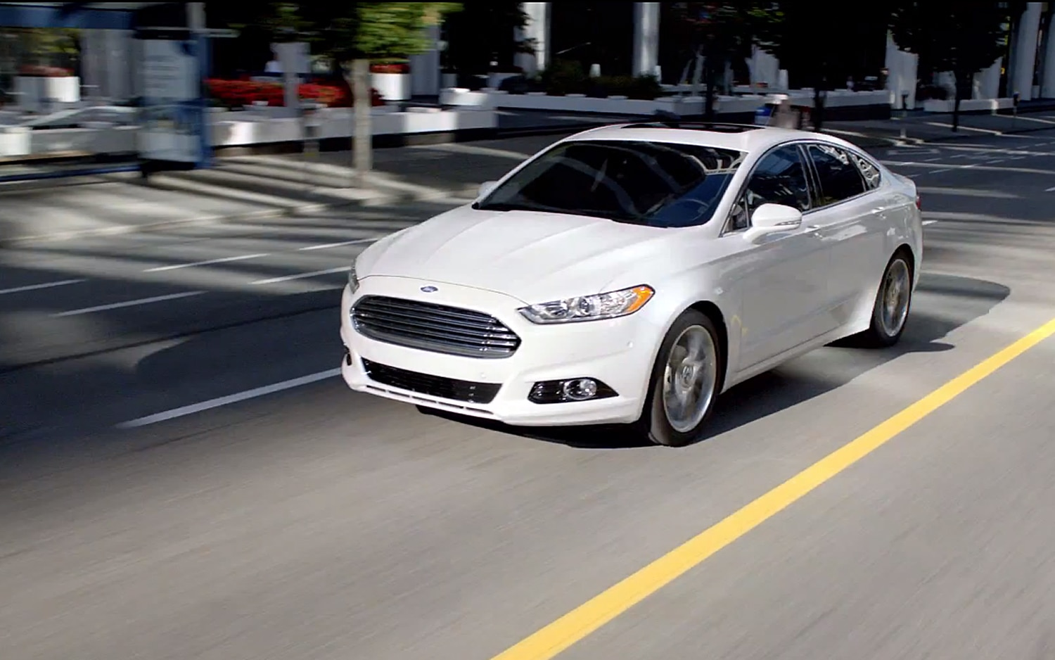 2013 Ford Fusion Front Three Quarter2