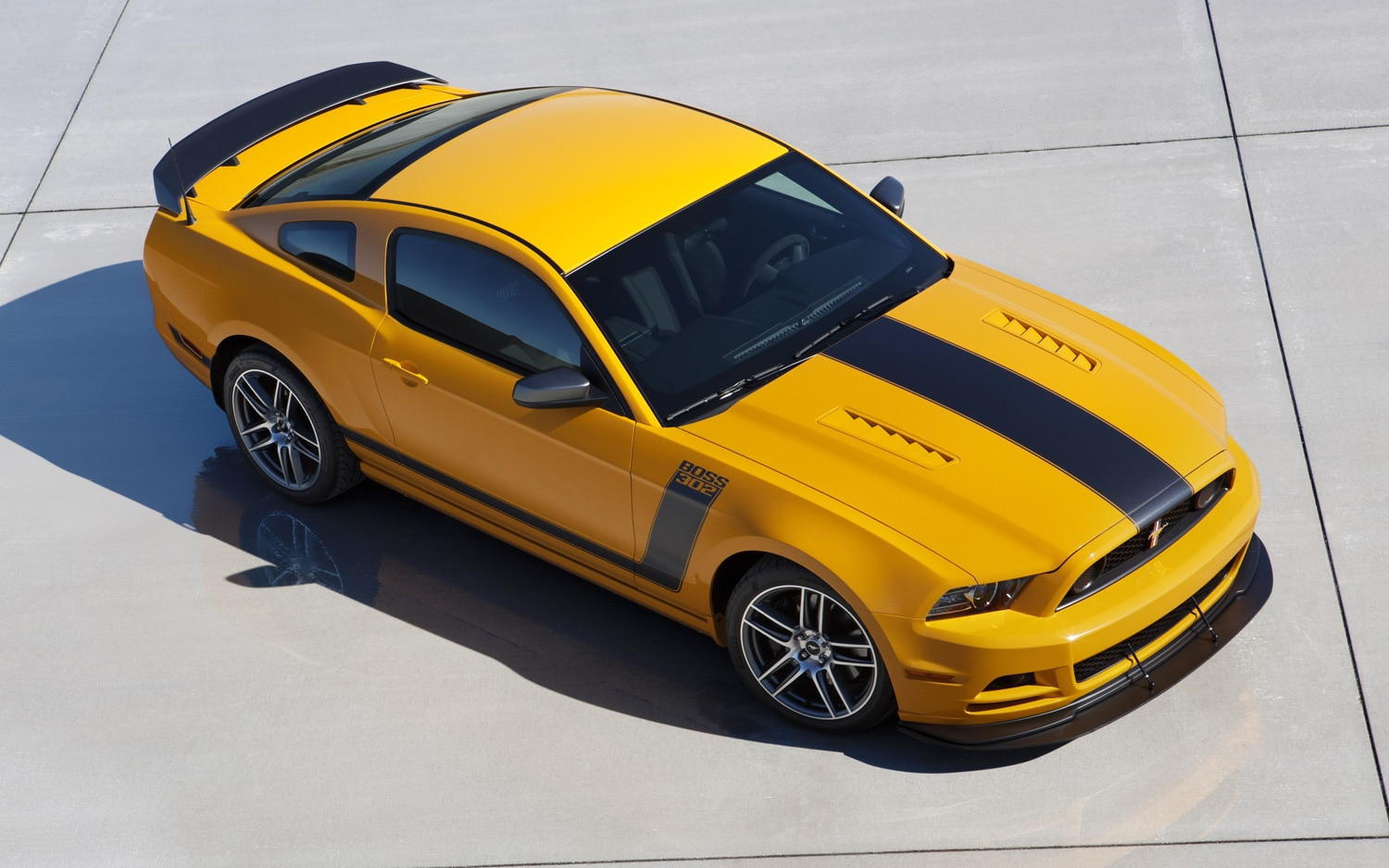 2013 Ford Mustang Boss 302 Front Three Quarter Static1