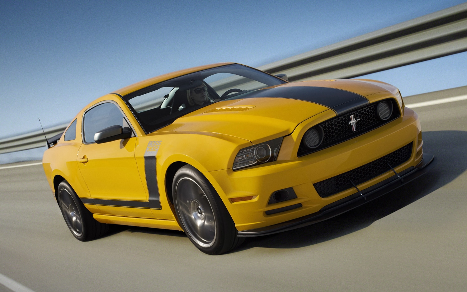 2013 Ford Mustang Boss 302 On Track In Motion1