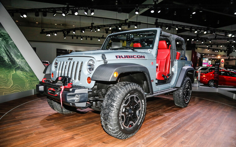 2013 Jeep Wrangler Rubicon Front Three Quarter1