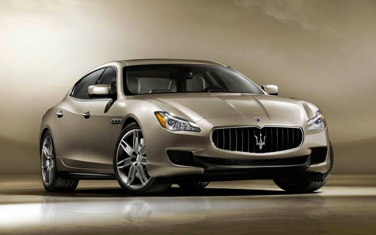 2013 Maserati Quattroporte Front Three Quarter2