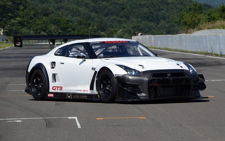 2013 Nissan GT R Nismo GT3 Front Three Quarter1