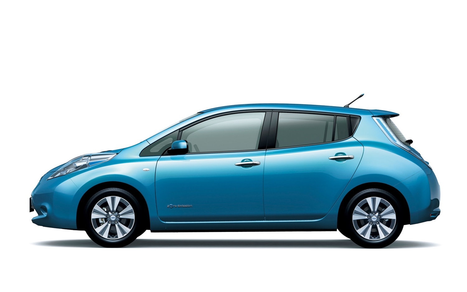 Nissan Unveils Low Cost 2013 Leaf Trim Level In Japan