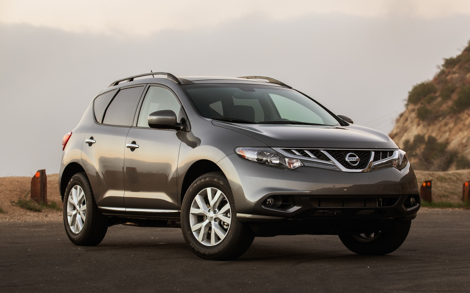 2013 Nissan Murano Front Angle1