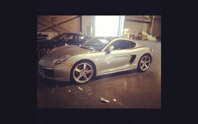 2013 Porsche Cayman Front Three Quarter1