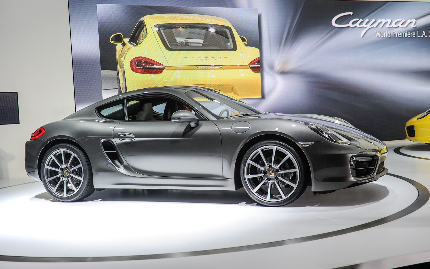 2013 Porsche Cayman Front Three Quarters1