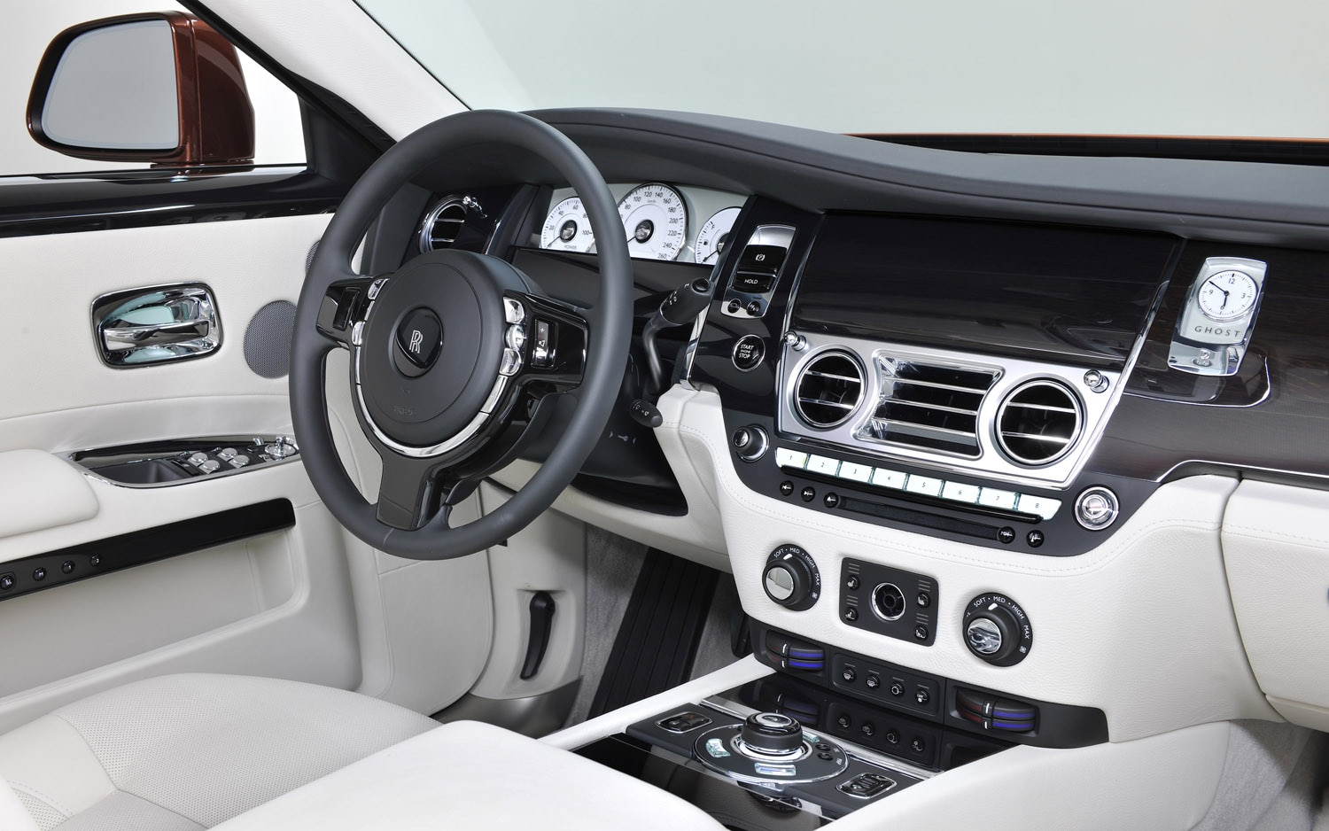 Rolls-Royce Outfits 2013 Ghost To Commemorate One Thousand