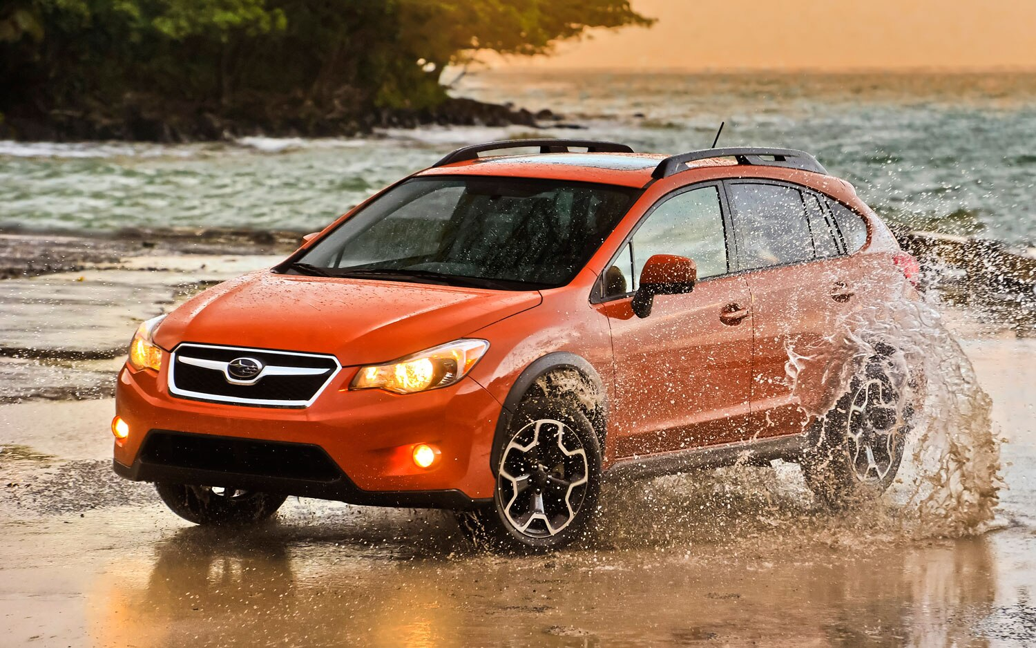 2013 Subaru XV Crosstrek Front Side View Splash1