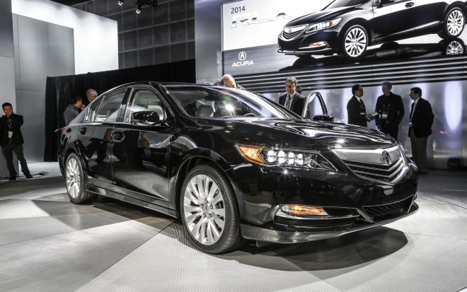 2014 Acura RLX Front Right View1 660x413