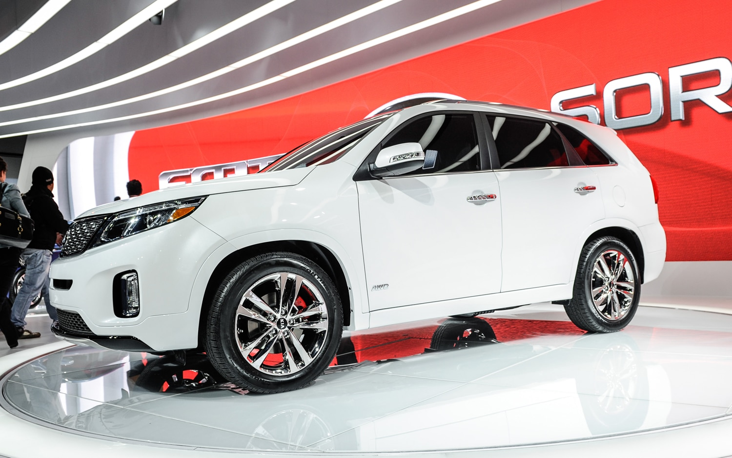2014 Kia Sorento Front Three Quarter1