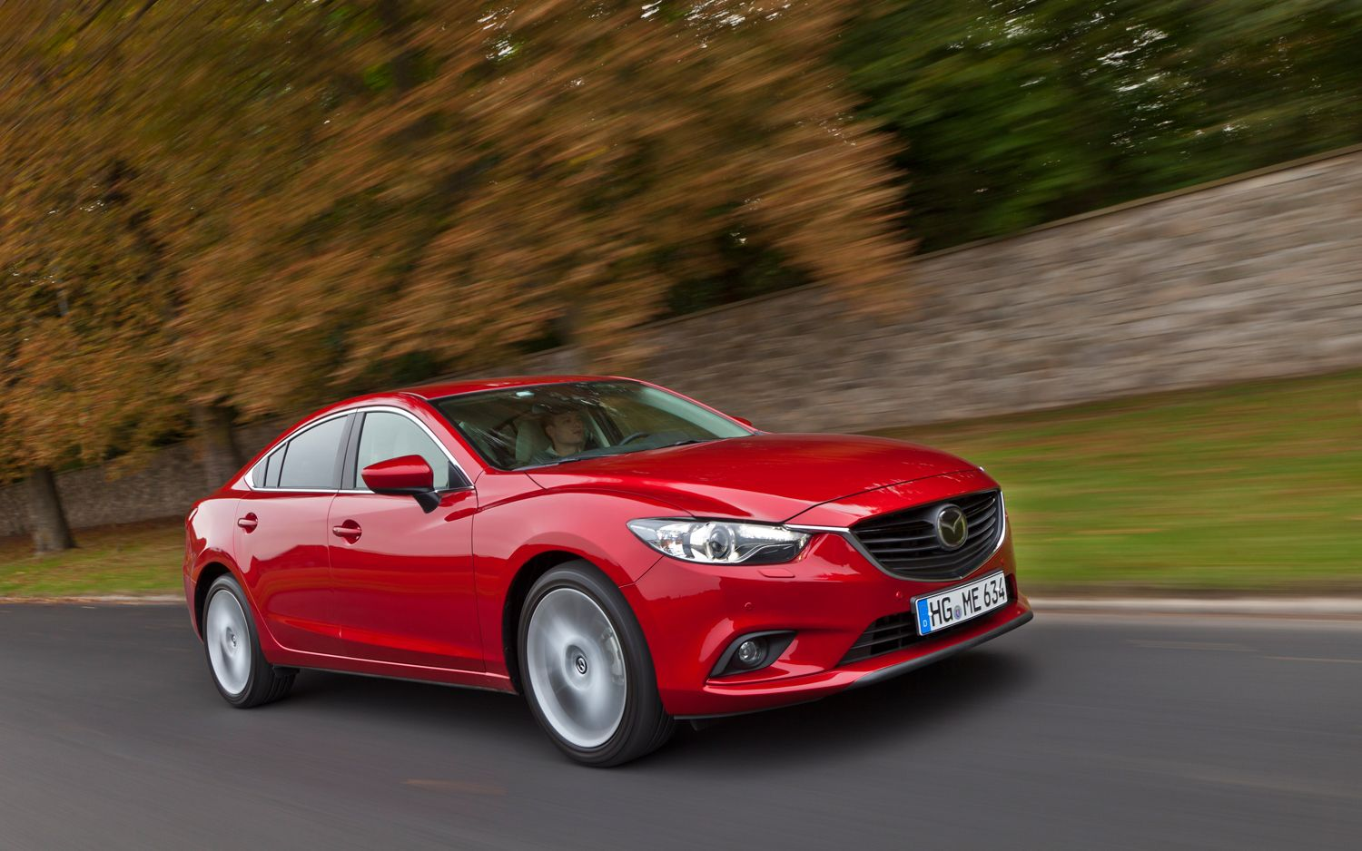 2014 Mazda6 Front Three Quarter Motion1
