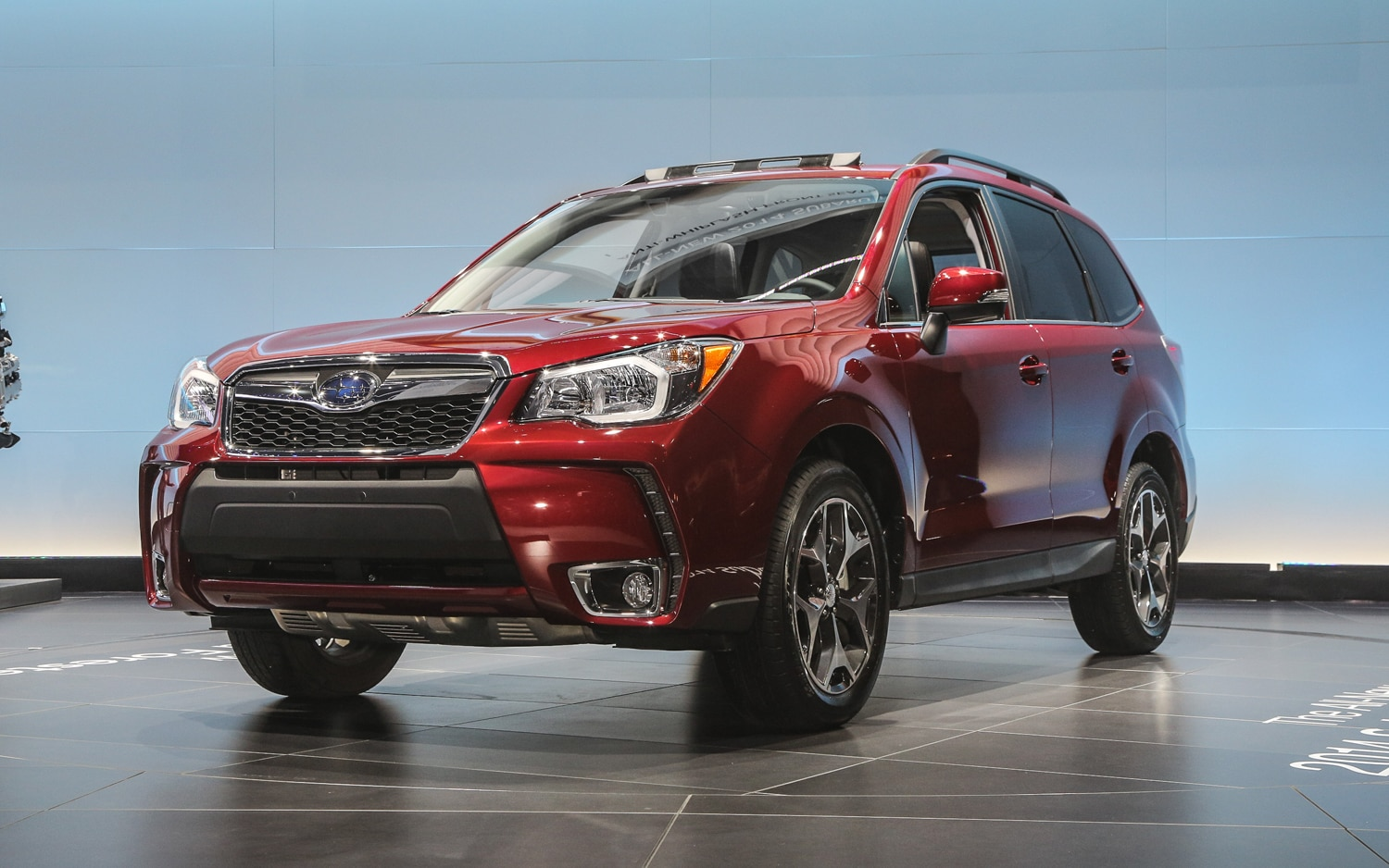 2014 Subaru Forester Front Three Quarter 21