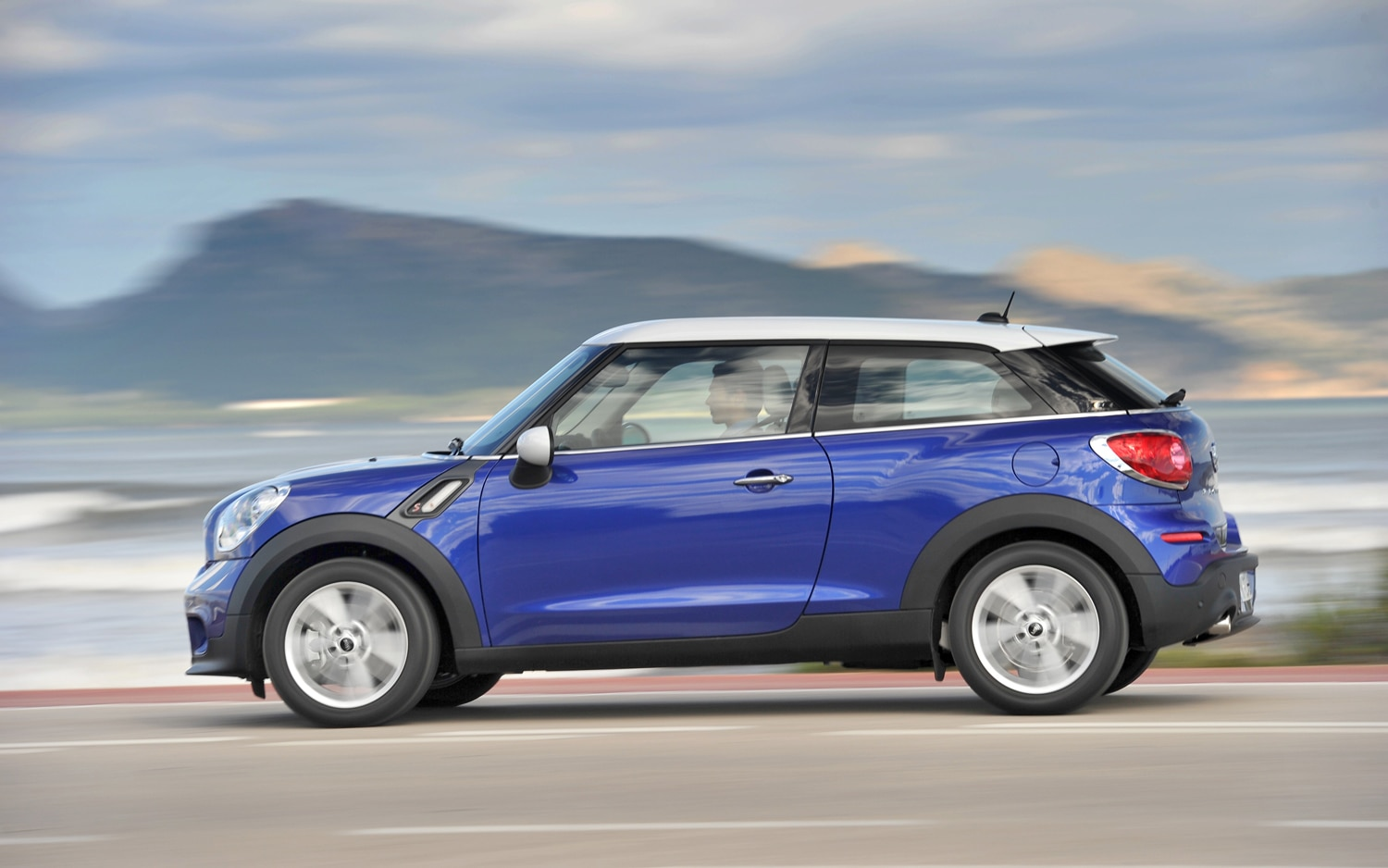 first drive 2013 mini cooper s paceman automobile magazine. Black Bedroom Furniture Sets. Home Design Ideas