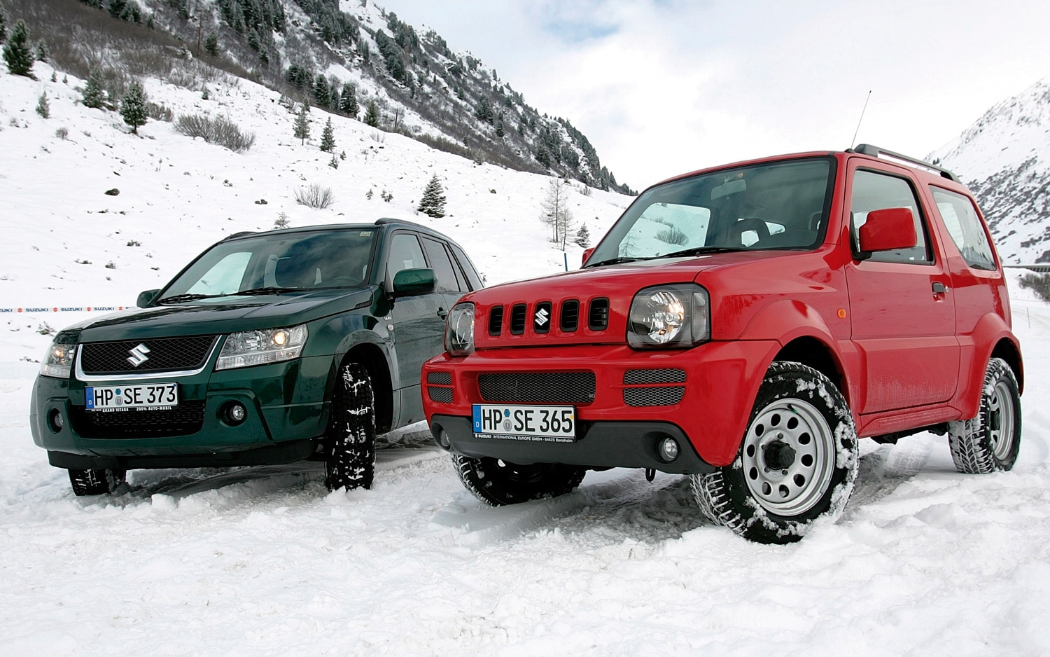 Suzuki Jimny And Grand Vitara In Snow1