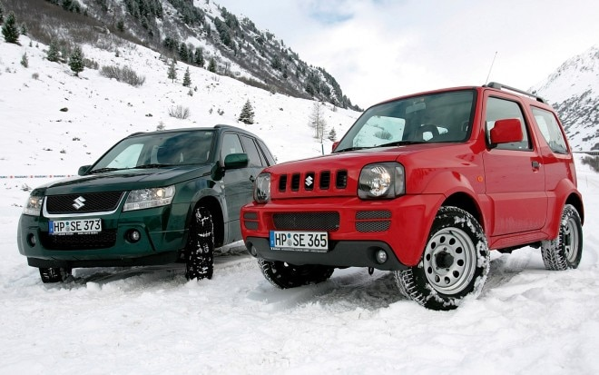 Suzuki Jimny And Grand Vitara In Snow11 660x413