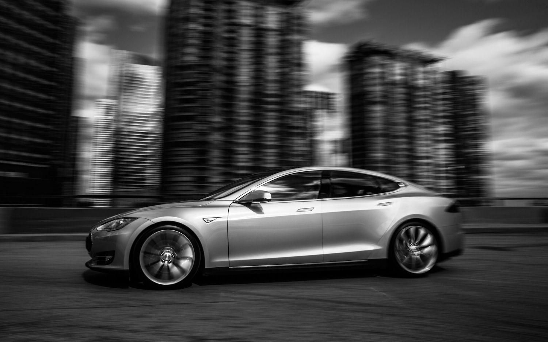 Tesla Model S Left Side View1