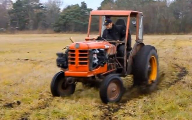 Volvo BM Terror Tractor Drifting In Field11 660x413
