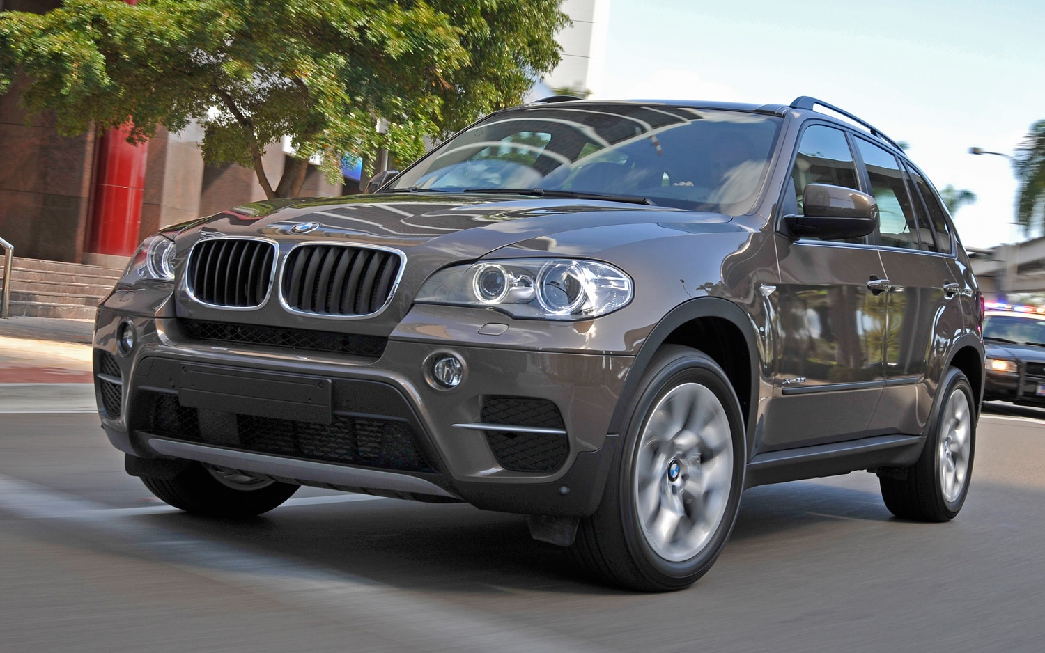 2011 BMW X5 Front View1
