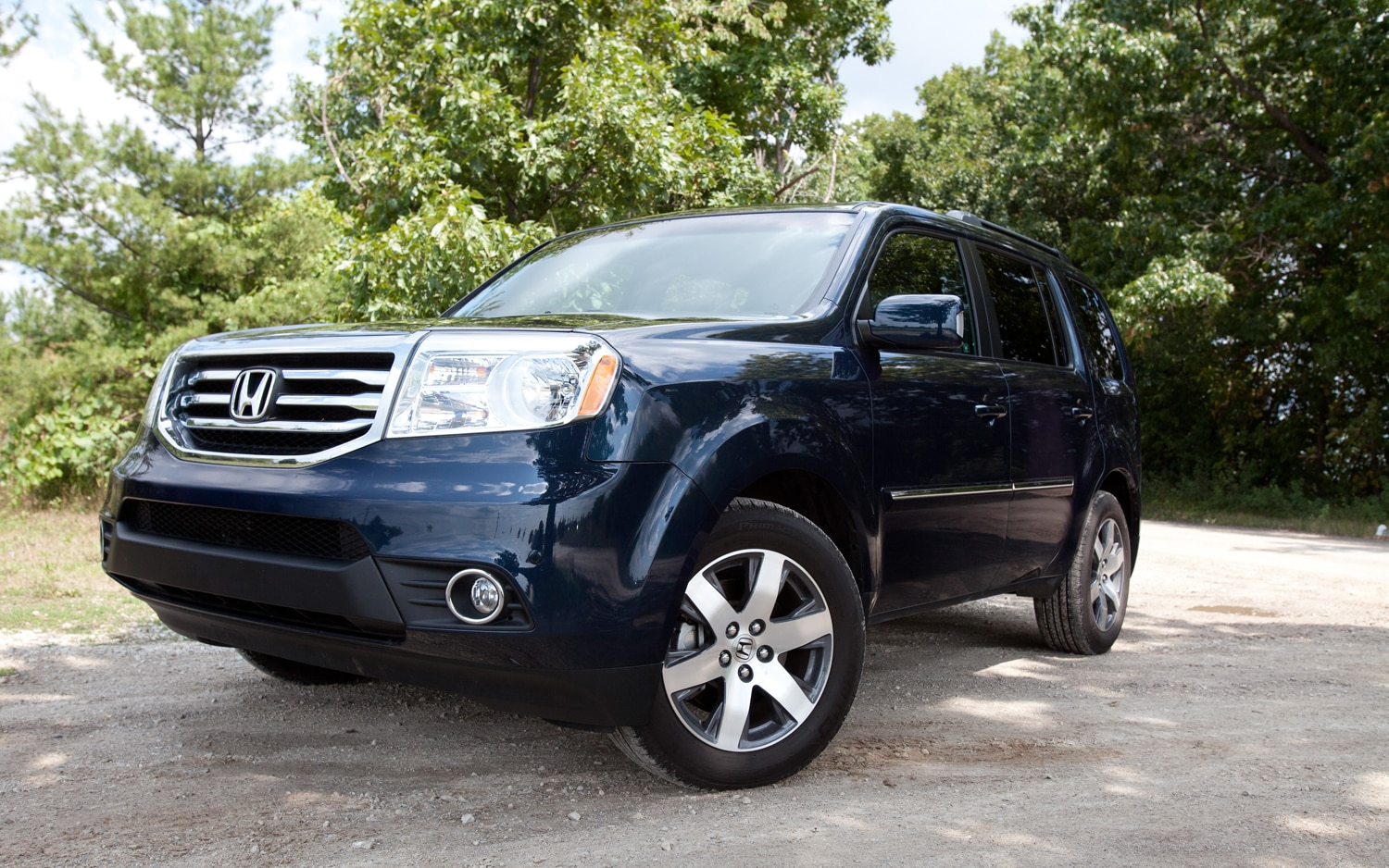 2012 Honda Pilot Touring Front Left View1