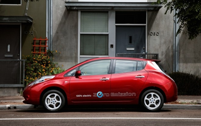 2012 Nissan Leaf Profile Red1 660x413